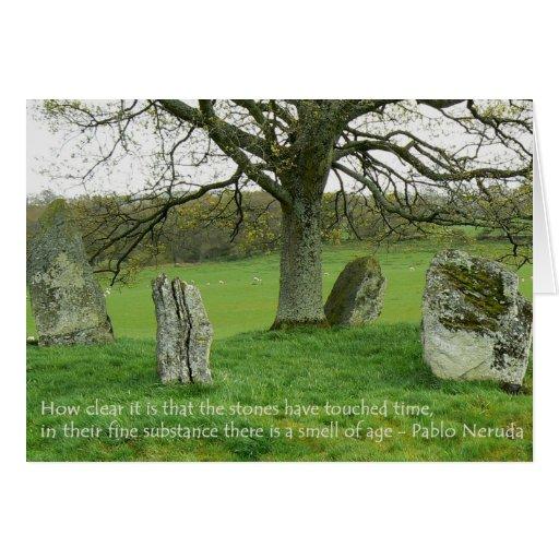 Stehende Steine - Pablo Neruda Grußkarte
