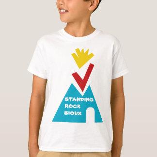 Stehender Felsen-Sioux-Stamm T-Shirt