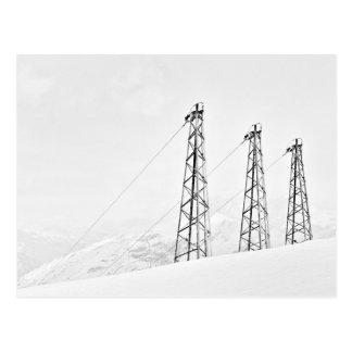 Stehendes hohes im Schneefall Postkarte