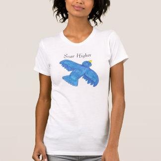 Steigen höherer Fliegenvogel an T-Shirt