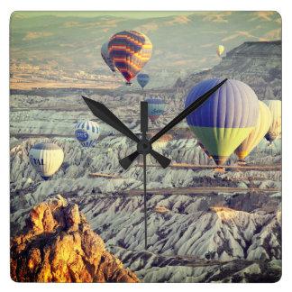 Steigt Flug-Wanduhr im Ballon auf Quadratische Wanduhr