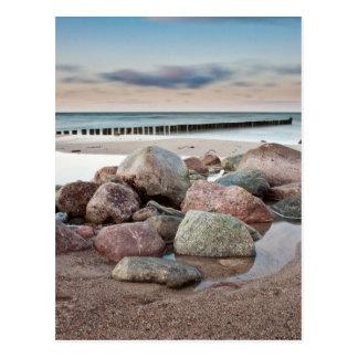 Steine auf Ufer der Ostsee Postkarte