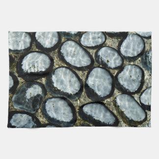 Steine unter Wasser Handtuch