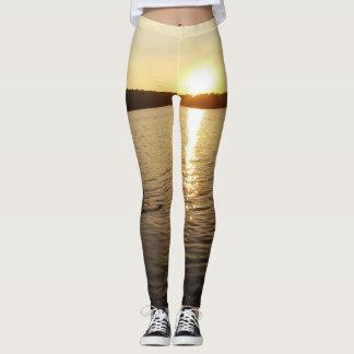SteinWurf ein zu den goldenen Leggings