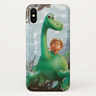 Stelle und Arlo, die durch Wald gehen iPhone X Hülle