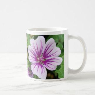 Stellen Sie es eine großer Tageslila Blumen-Tasse Kaffeetasse
