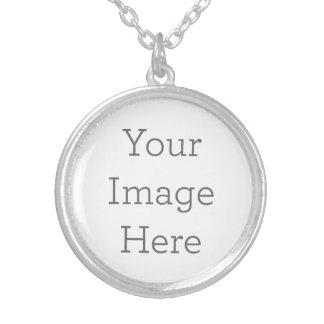 Stellen Sie Ihr eigenes Silber her, das ringsum Halskette Mit Rundem Anhänger