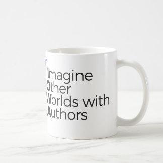 Stellen Sie sich andere Welten mit der Kaffeetasse
