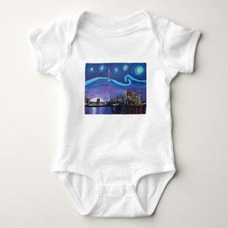 Sternenklare Nacht in Toronto mit Van- Baby Strampler