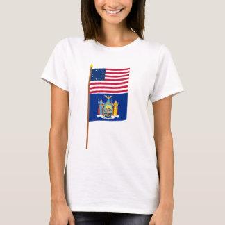 Sternflagge US 13 auf Pfosten mit New York T-Shirt