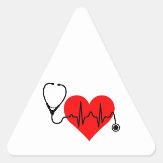Stethoskop-Herzschlag-Herz Dreieckiger Aufkleber