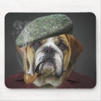 Stier-Hund mit Kappe und Rohr Mauspad