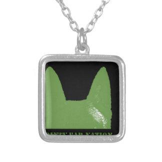 STIFT Grün auf Schwarzem Versilberte Kette