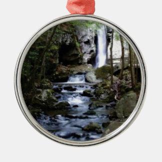 stiller Strom im Wald Silbernes Ornament