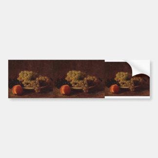 Stillleben Henri Latour- mit Trauben und einem Autoaufkleber