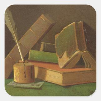 Stillleben mit Büchern und Tintenbrunnen Quadratischer Aufkleber