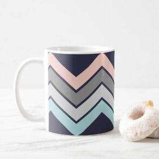 Stilvolle Kaffee-Tassen-Marine mit PastellZickzack Kaffeetasse