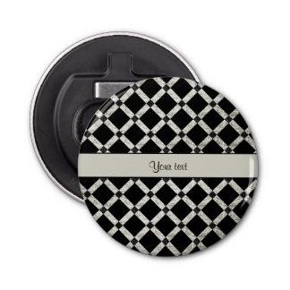 Stilvolle schwarze u. silberne Glitter-Quadrate Runder Flaschenöffner