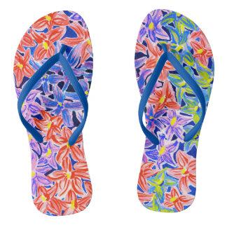 Stilvolle Wasserfarbe-mit Blumenweibliche drehen Flip Flops