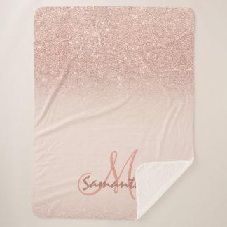 Stilvoller Rosengoldombre Rosablock personalisiert Sherpadecke