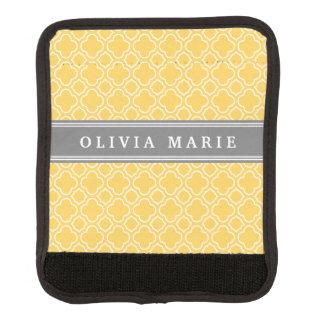 Stilvolles gelbes Quatrefoil Muster mit Namen Koffergriffwickel