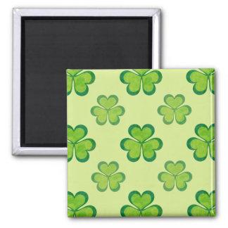 Stilvolles grünes glückliches quadratischer magnet
