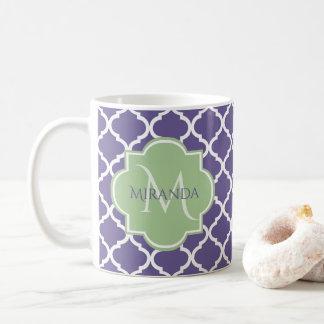 Stilvolles lila Quatrefoil und grünes Kaffeetasse