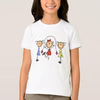 Stock-Mädchen-springendes Seil T-Shirt