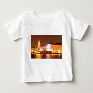 Stockholm, Schweden am Weihnachten nachts Baby T-shirt