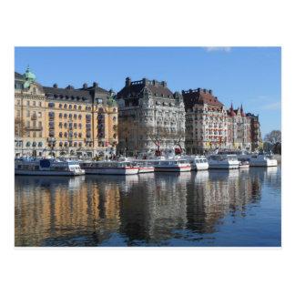 Stockholmboote und -Gebäude Postkarte