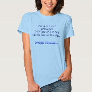 Stolze Frau T Shirts
