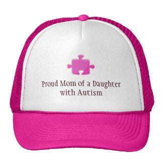 Stolze Mamma einer Tochter mit Autismus-Kappe