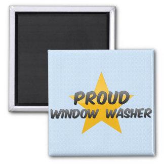 Stolzer Fensterputzer Quadratischer Magnet