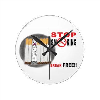 Stoppen Sie, Erinnerungen zu rauchen - nicht mehr Runde Wanduhr