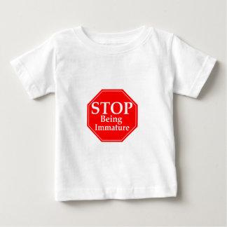 Stoppen Sie Unreife Baby T-shirt