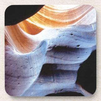 Stöße und Klumpen in den Felsen Getränkeuntersetzer