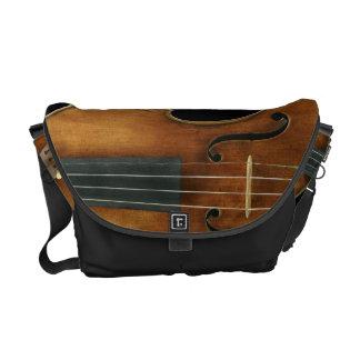 Stradivari reproduzierte an kuriertasche