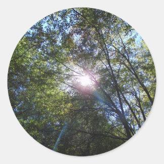 Strahl der Sonne Runder Aufkleber