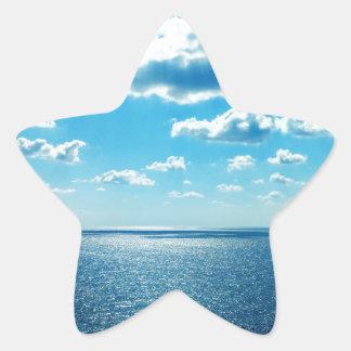 Strahlen über dem Meer Stern-Aufkleber
