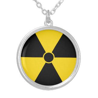 Strahlungs-Symbol Versilberte Kette