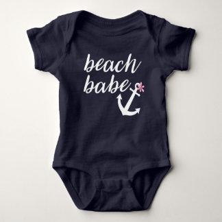 Strand-Baby - die Ausstattung des Babys. Anker. Baby Strampler