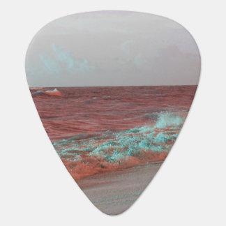 Strand bewegt roten aquamarinen plektron