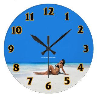Strand-Bikini Große Wanduhr