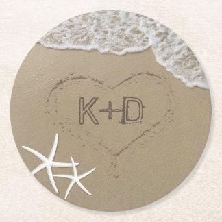 Strand-Hochzeits-Herz im Sandstarfish-Sommer Kartonuntersetzer Rund