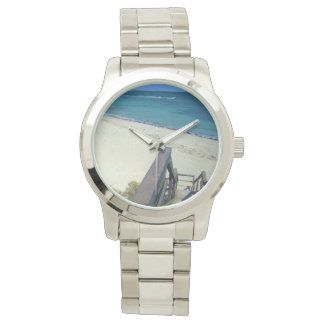 Strand-Schritte zu den goldenen Sanden, großes Uhr