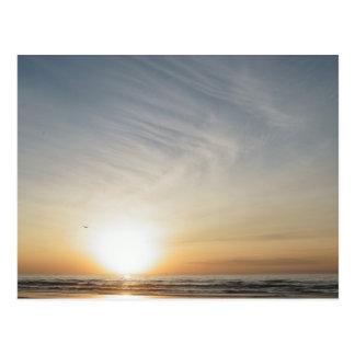 Strand-Sonnenuntergang-Sonnenaufgang-Feier-freier Postkarte