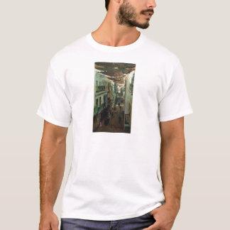 Straße der Schlangen in Sevilla durch Ilya Repin T-Shirt