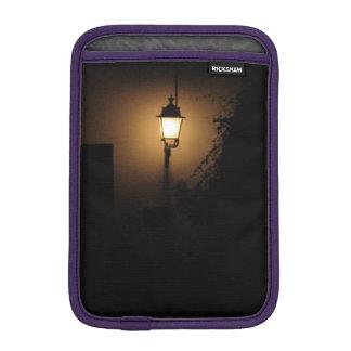 Straßen-Laternen-Nachtlampen-Foto iPad iPad Mini Sleeve