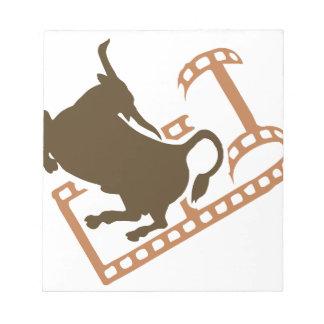 Sträubende Stier-Filmrolle Notizblock