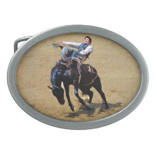 Sträubende ungesattelte Pferden-und Ovale Gürtelschnalle